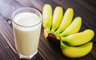 睡前吃香蕉、牛奶真能助眠?6大營養讓你迅速入睡
