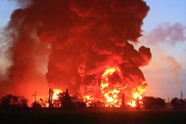 【快讯】印尼一大型炼油厂发生爆炸