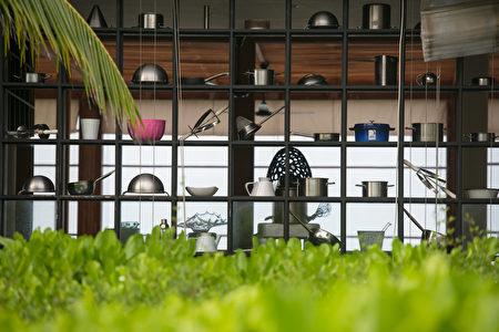 Modern,Restaurant,Outdoor,Kitchen,Cookware,Decoration,Background,Shutterstock,鍋