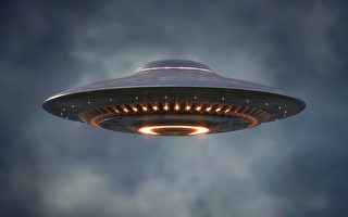 美国数百人目击UFO 电视台派记者搭机调查