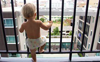 越南三岁娃12楼坠下 司机徒手奇迹接住