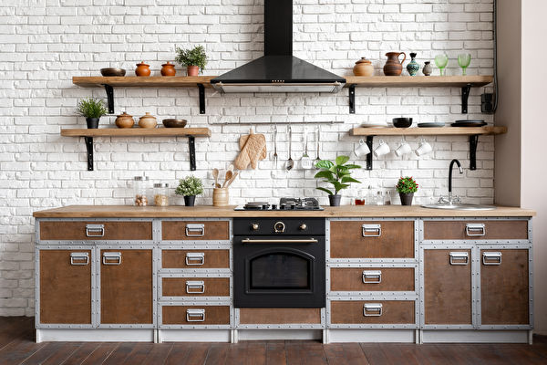 Wooden,Kitchen,Facade,In,Apartment,With,Modern,Interior,,New,Furniture,Shutterstock,鍋