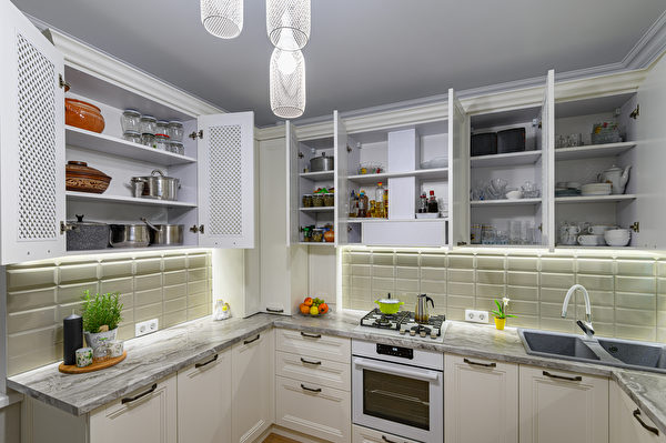 White,Cozy,And,Comfy,Contemporary,Classic,Kitchen,Interior,With,Wooden,Shutterstock,鍋