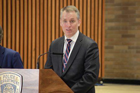 紐約市警局局長謝伊31日召開記者會。