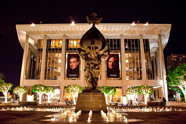 加州4月15日起 开放室内音乐会、戏剧演出