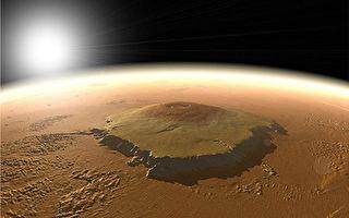 探秘:太阳系最大火山为什么高达25,000米?