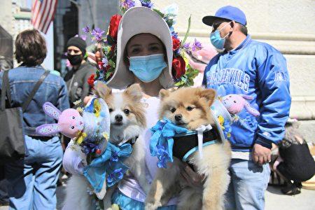 纽约民众为自己和家中宠物精心打扮,庆祝复活节。