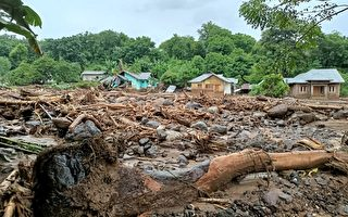 风暴袭印尼和东帝汶 掀6米海浪 160多人遇难