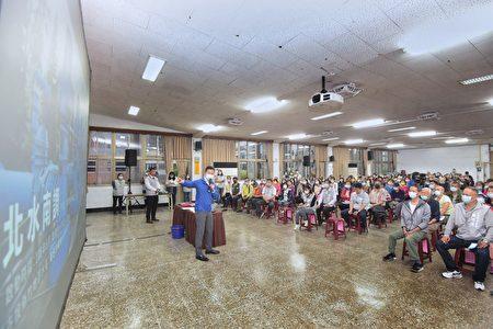 新竹市府與台灣自來水公司合作,於北區、東區、香山區,召開10場次抗旱節水宣導說明會,讓民眾了解目前水情與節水方法,以市民「每人節水5%」,全市企業、商家「節水10%」為目標,團結合作、共度難關。