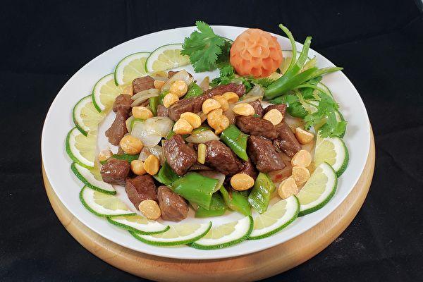 【梁厨美食】夏威夷果仁炒牛柳粒