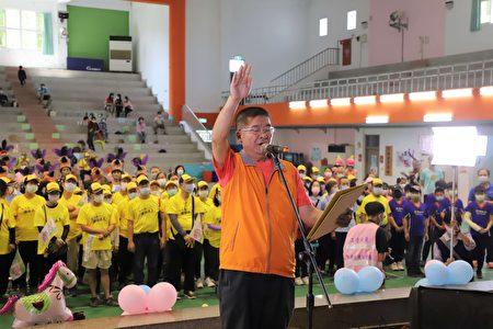 环保志工代表宣示将与县府共同努力维护110年全中运环境整洁。