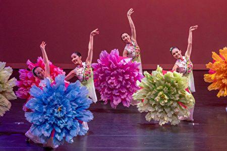 李靜枝舞蹈藝術中心表演。