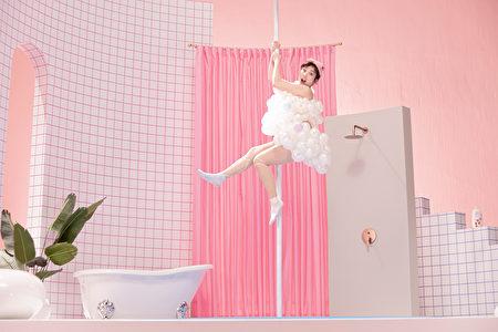 梁舒涵淋浴完一定會上身體乳。