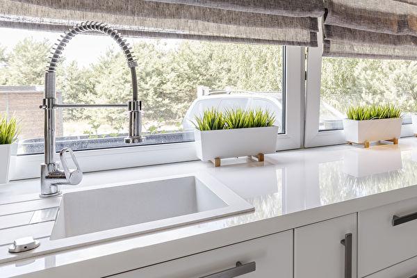 廚房檯面更換 人造石還是天然石檯面好?