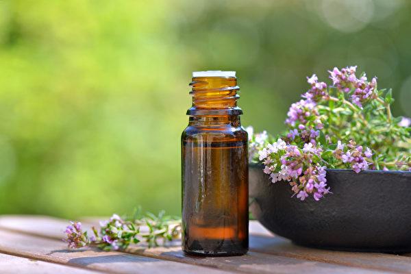 20種精油的妙用法,幫你更好地達到提神、助眠和改善情緒的功效。(Shutterstock)