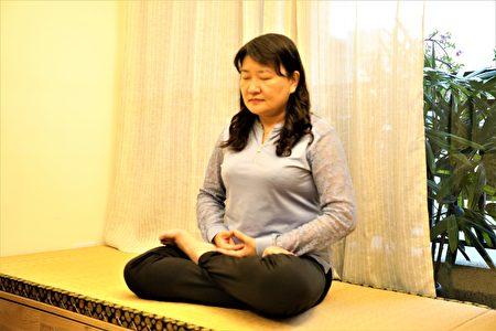 修煉20年的劉文格講述著她生命的轉變,盼中國人明辨是非。