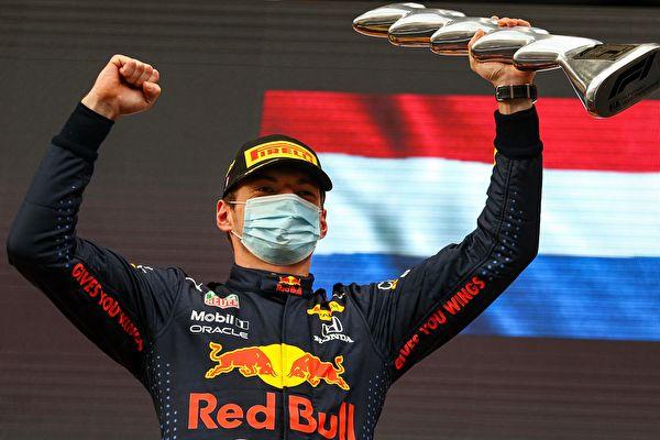 组图:F1伊莫拉站 维斯塔潘夺冠 小汉获亚军