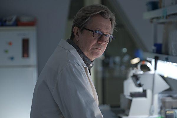 蓋瑞歐德曼新片揭醫藥犯罪系統 自薦當監製