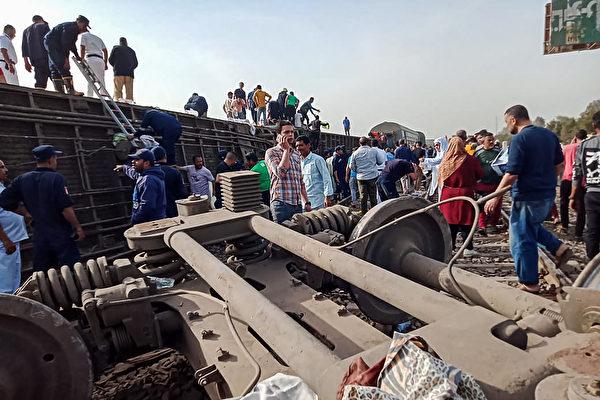 組圖:埃及火車出軌事故釀11死98傷