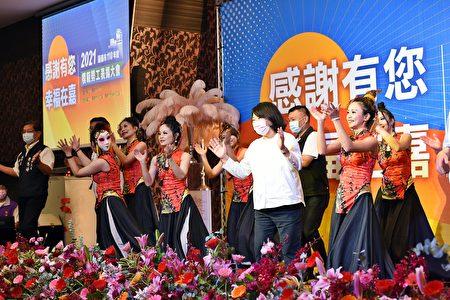 市長黃敏惠出席模範勞工表揚大會。