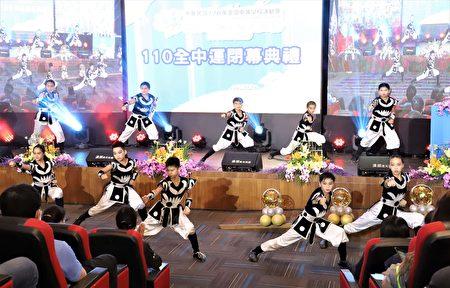 云武子武术团带来序幕表演,传递云林特色西螺七崁的武术精神