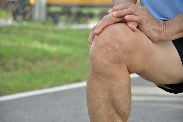 怎样保护膝盖,避免膝关节衰老?(Shutterstock)