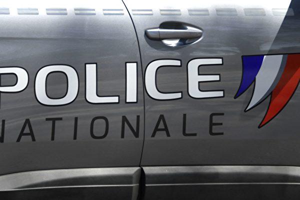 法女警在警局門口遇襲身亡 5嫌犯被審訊
