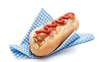 著名的內森(Nathan's)餐廳提供5美分熱狗