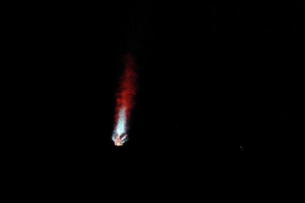 载人飞船途中遭遇UFO?SpaceX回应