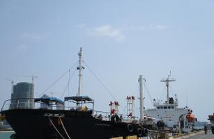 华男被控非法向朝鲜运石油 油轮被扣