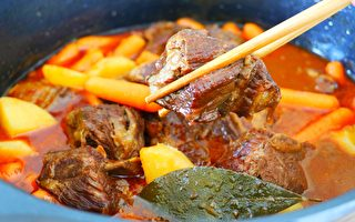 【美食天堂】牛肉短肋骨炖马铃薯胡萝卜做法