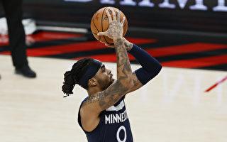 NBA罗素致胜上篮 森林狼横扫西区龙头爵士