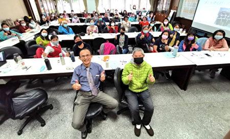陳新平在馬公三校閱讀分享。