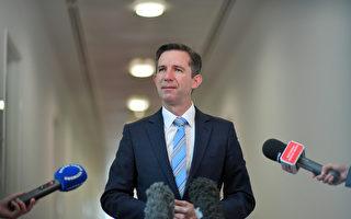 澳部長敦促國人多花積蓄 助澳經濟復甦
