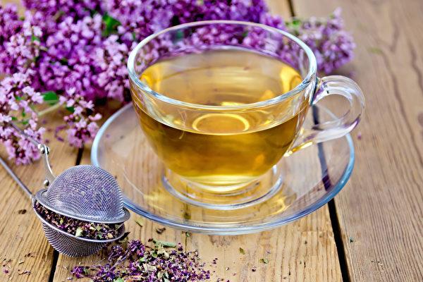 丁香味辛,性溫,入胃經,有溫胃、降逆的功效。(Shutterstock)
