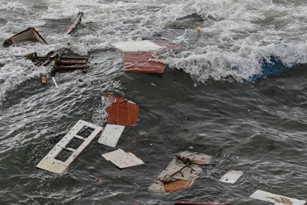 偷渡费过万 船翻酿3死 船长被起诉
