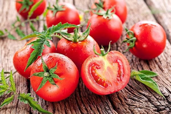 番茄可防癌、增加免疫力 加油炒熟吃最營養。(Shutterstock)