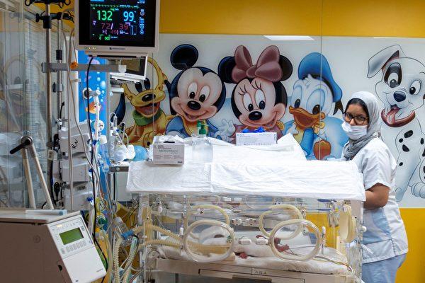 人类奇迹 马里25岁产妇平安诞下九胞胎