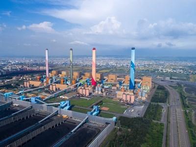 民團指出,中火依規定逐年減少燃煤量,2016至2020年之間,中火用煤量從1839萬噸減至1229萬噸。
