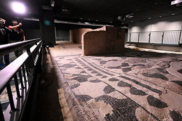 组图:意大利公寓底下的古罗马别墅遗迹