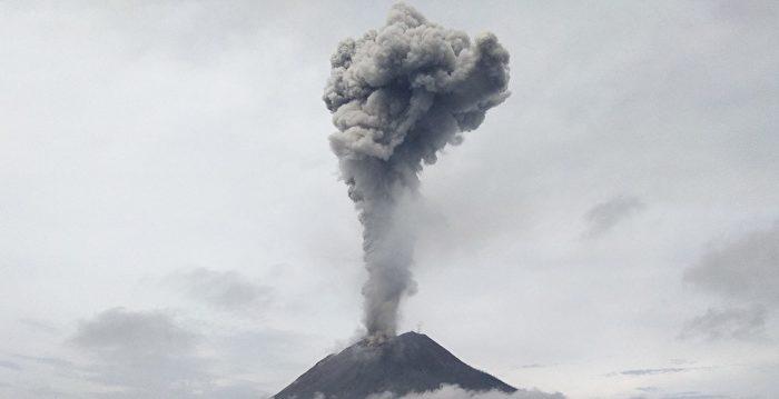 印尼火山噴發 巨大煙塵直衝雲霄2800米