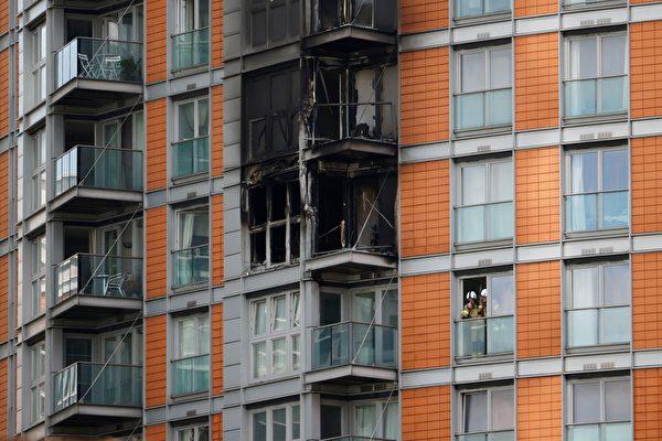 組圖:英國倫敦大樓大火 至少2人送醫治療