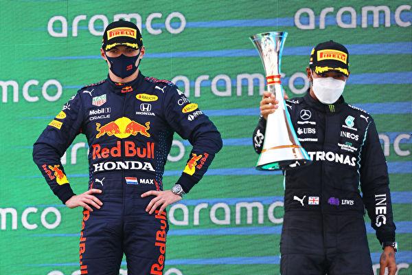 F1西班牙站:小漢超越維斯塔潘奪賽季第三冠