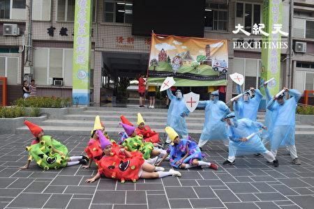 員林家商學生以舞劇表現抗疫。