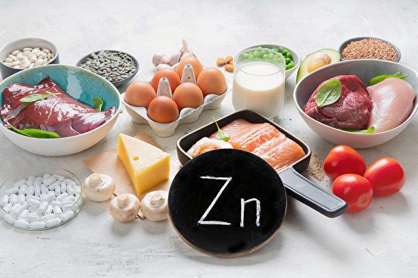 牡蛎、肉类、鱼类、鸡蛋等,都是补锌食物。(Shutterstock)