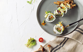柳松菇入菜 爽口鲜甜寿司卷