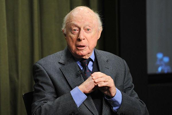 全球最长寿演员诺曼·劳埃德去世 享嵩寿106岁