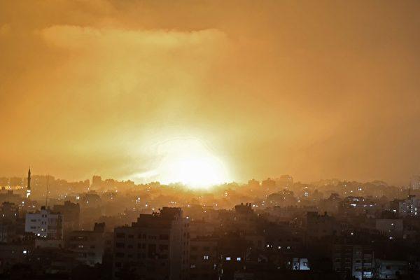 協同戰機 以色列坦克砲兵向哈馬斯進攻