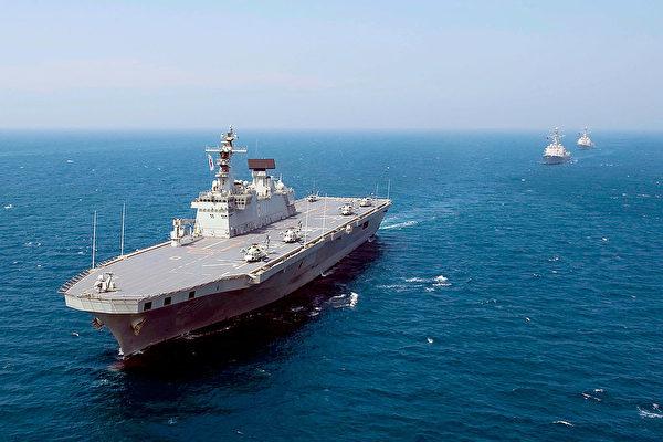 韩国的独岛号两栖攻击舰(LPH-6111)。(Adam K. Thomas/U.S. Navy via Getty Images)