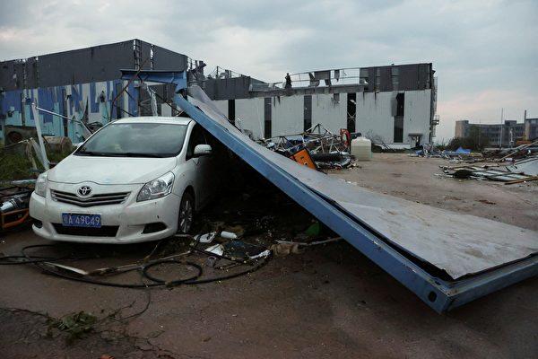 組圖:武漢市遭遇9級龍捲風 至少6死218傷